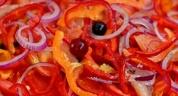 Подготовка для салатов фруктов и овощей